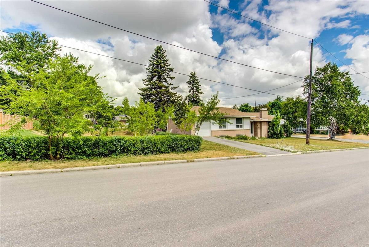 30 Caswell Dr Toronto Bella Lee
